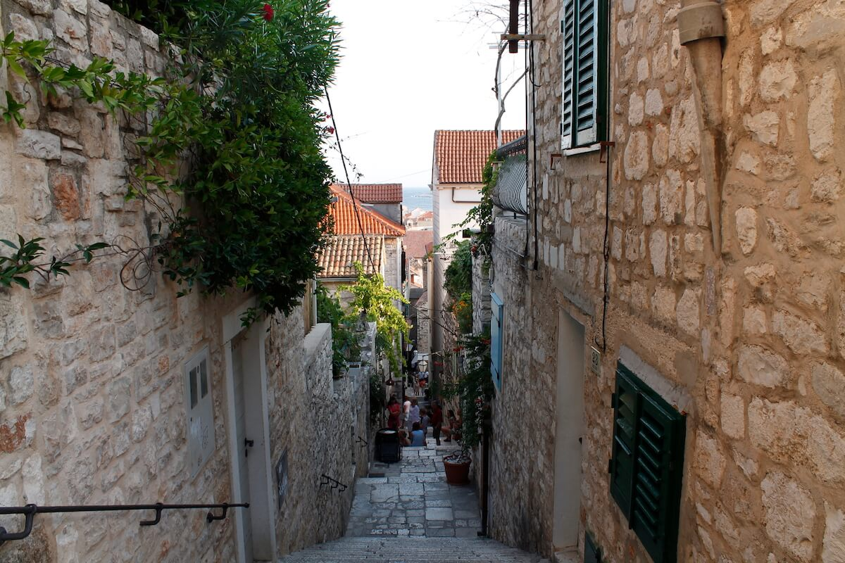 narrow and steep streets in Hvar