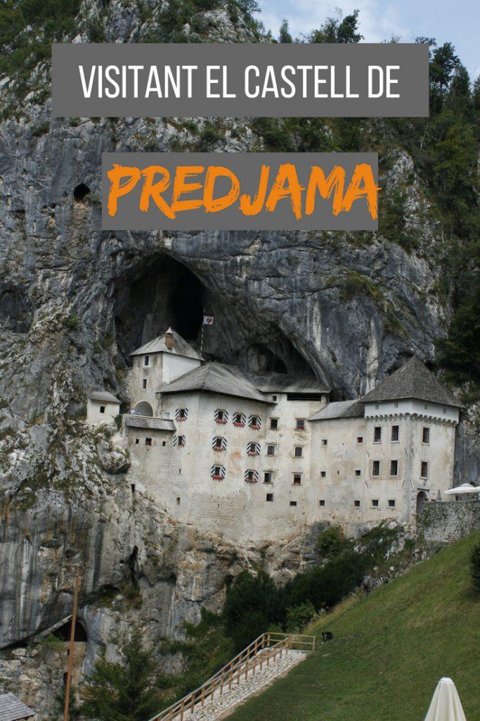 Visitant el castell de Predjama a Eslovènia