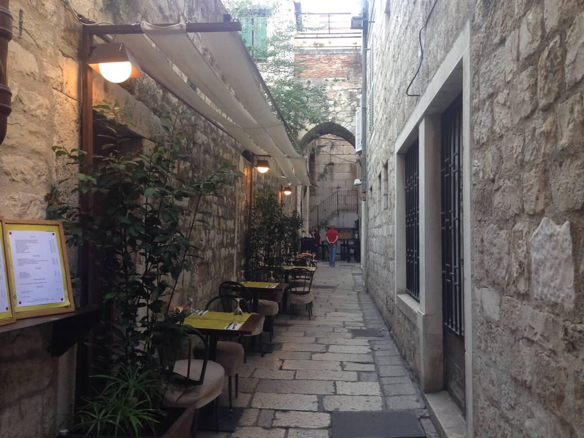 Ruïnes romanes i buscant platges a Split