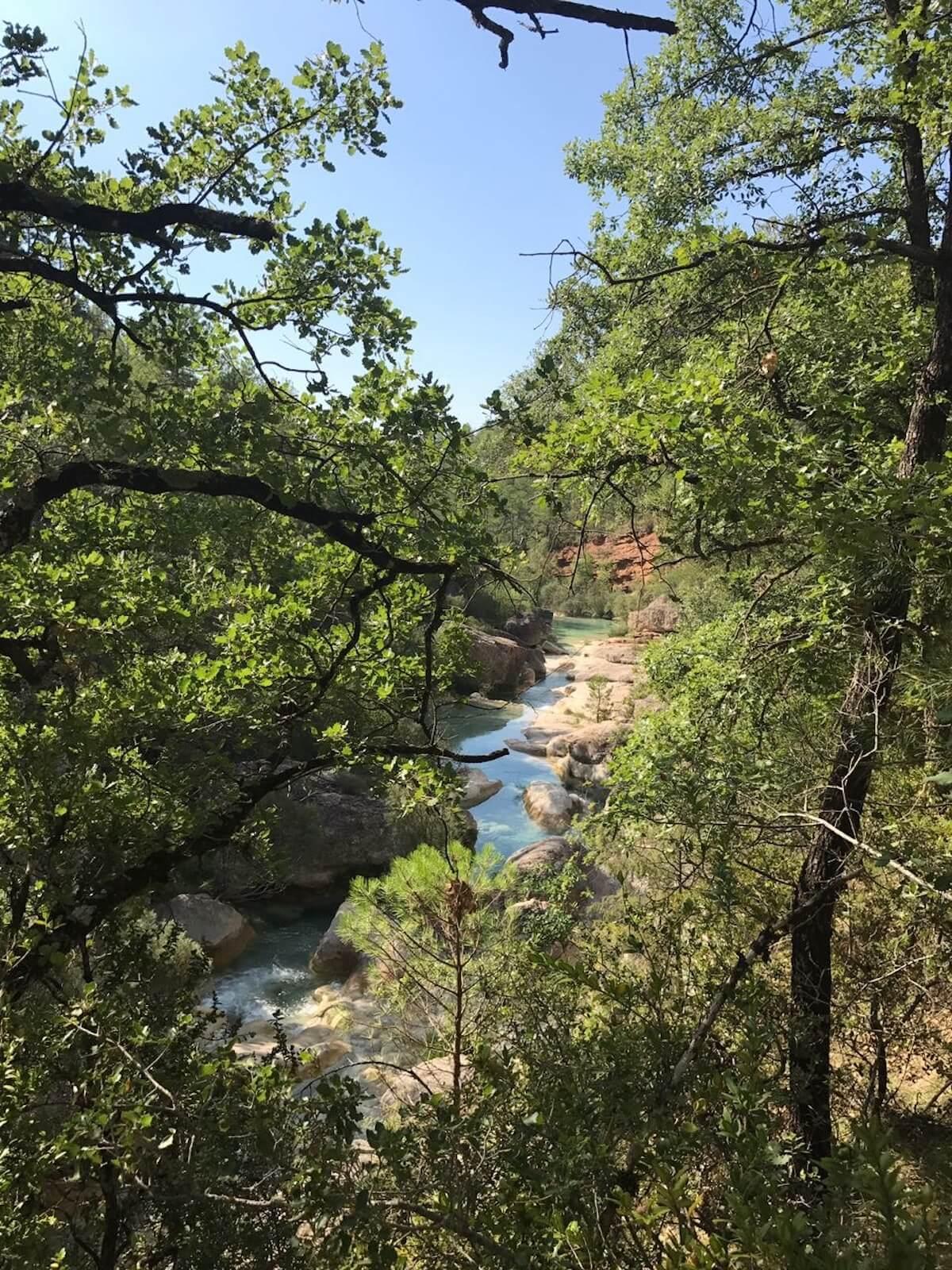 Basses d'aigua del riu Rialb: guia completa