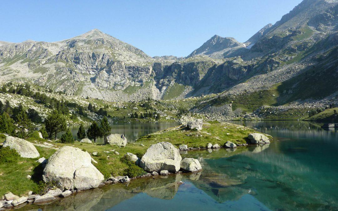 Hiking Gémena lakes: Full route