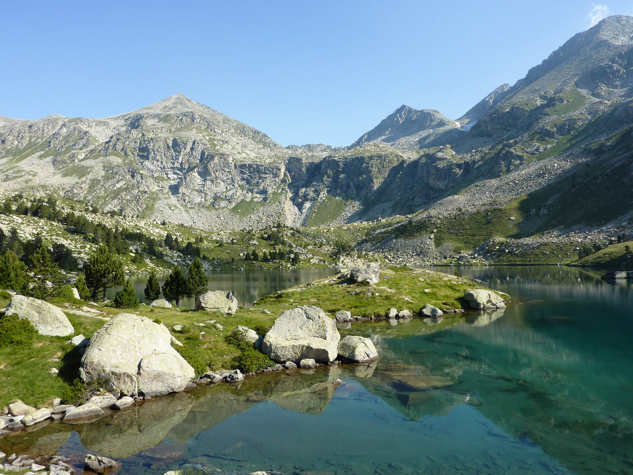 Hiking Gémena lakes: Full route