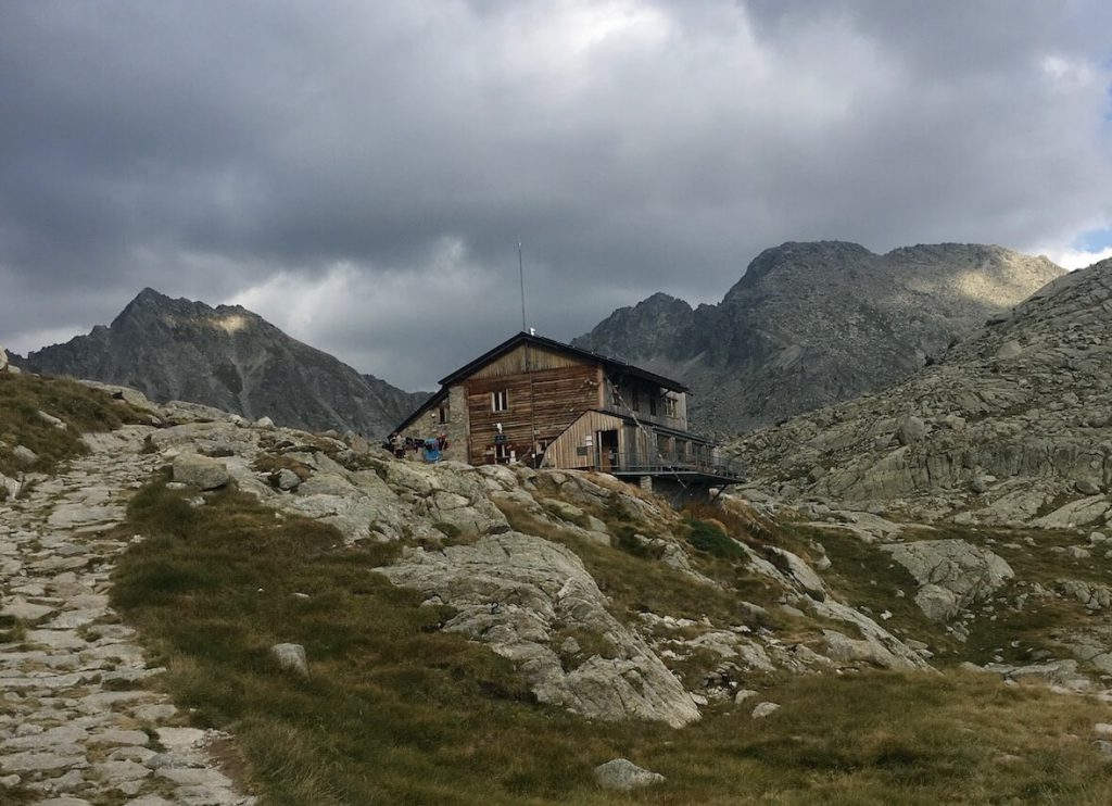 Refugi Colomina. Colomina mountain hut