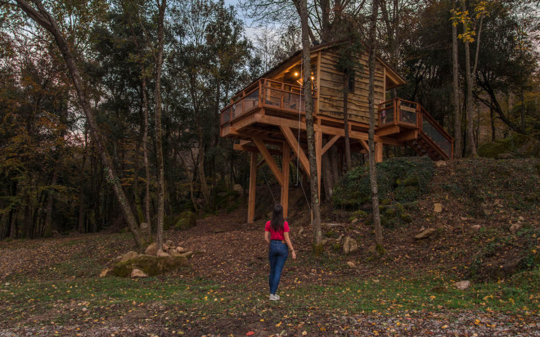 Epic tree houses with hot tub at Cabanyes Entre Valls
